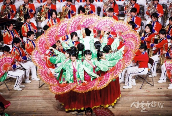 카시와시립고등학교 취주악부 공연사진 01.jpg