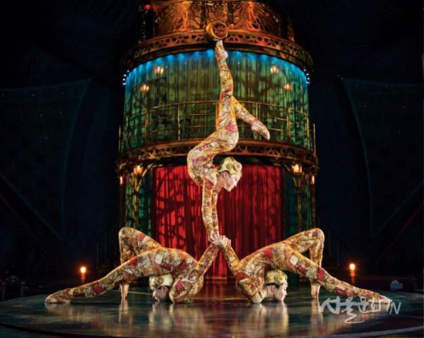 쿠자_컨토션  ⓒ Cirque du Soleil.jpg