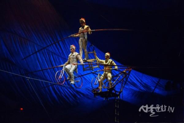쿠자_하이와이어  ⓒ Cirque du Soleil.jpg