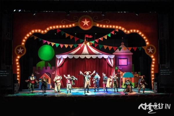 [세종] 서울시극단_가족음악극 십이야_공연사진2.jpg