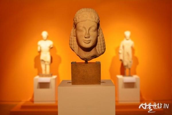 쿠로스 두상, 기원전 6세기 중반.jpg