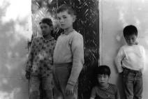 주명덕, 한국전쟁의 이후 태어난 '혼혈고아'의 존재를 처음 사진으로 기록하다.