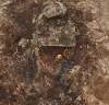 경주 황남동 고분에서 금동관, 금귀걸이, 은허리띠 등이 묻힌 상태대로 출토